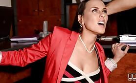 [DDFNetwork] (Cocky intruder punishes boss lady Mea Melone in her office)