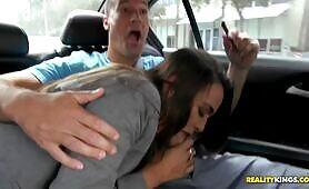 [RealityKings] (New York mommy Bobbi Rydell enjoys pickup fuck in Miami)