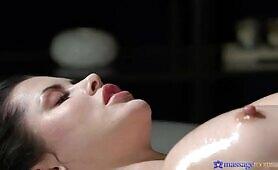 Plump Ass Cassie Experiences The Most Romantic Massage