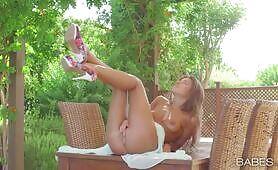 [Babes] Maria Rya (Lewd Russian princess Maria Rya touches herself again)