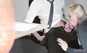 [Babes] Lola Taylor (Fucktastic Russian office whore Lola Taylor fucks her nerdy workmate)
