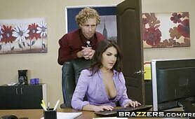 [Brazzers -  Big Tits at Work ] Valentina Nappi & Michael Vegas (All Natural Intern)